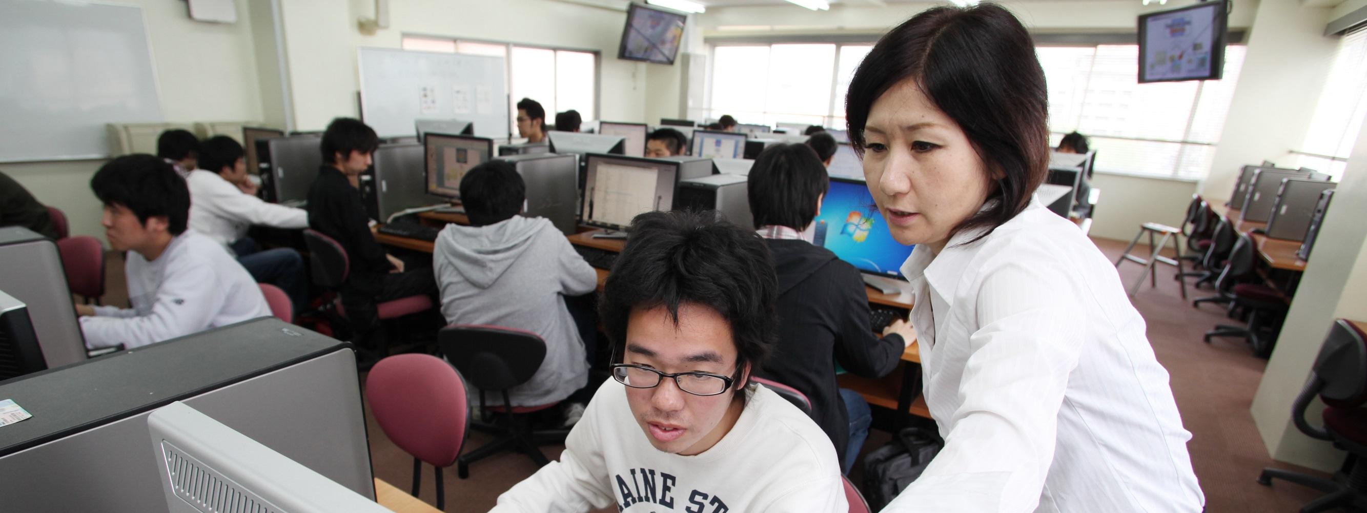 千葉情報経理専門学校PC教室